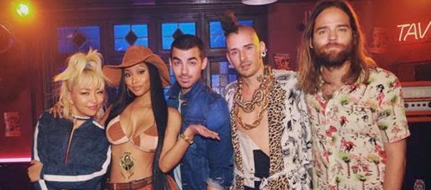 """DNCE Premiere """"Kissing Strangers"""" ft. Nicki Minaj (Official Music Video)"""