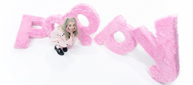 "Poppy Premieres ""Moshi Moshi"" (Official Music Video)"