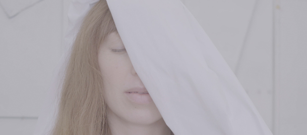 """Ella Vos Premieres """"Mother (Don't Cry)"""" (Official Music Video)"""